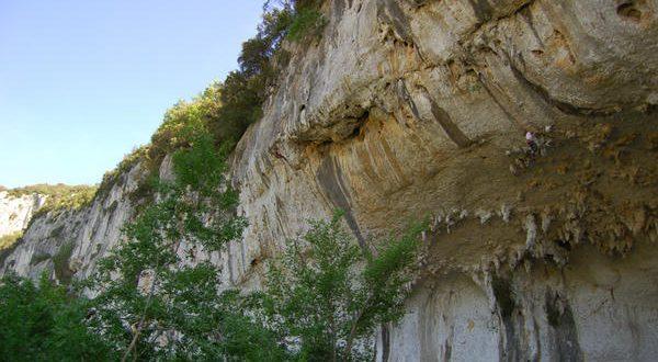 Falaise de Grotte des branches -