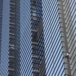 Alain Robert escalade en solo les 46 étages d'un building londonien !